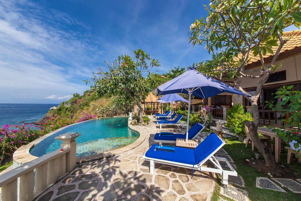 Blue Moon Villas Resort