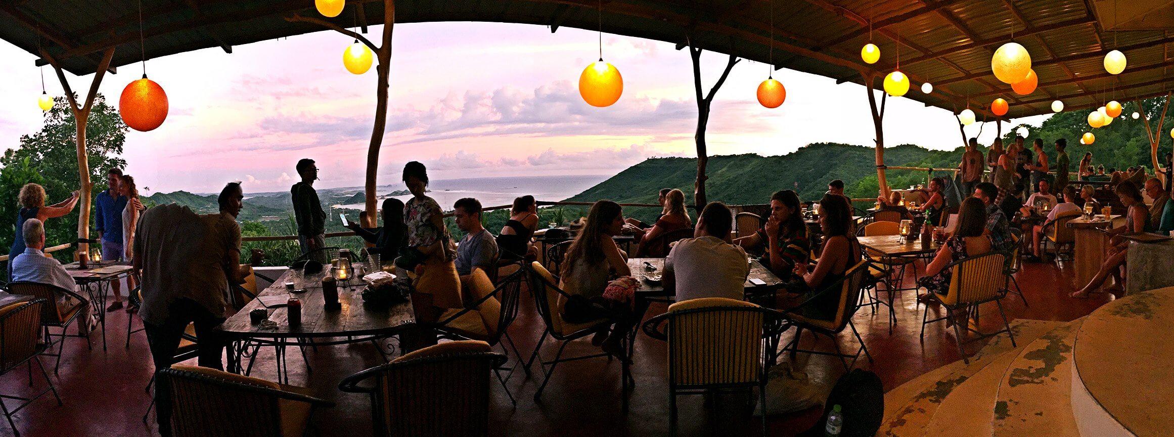 Ashtari Lounge & Kitchen