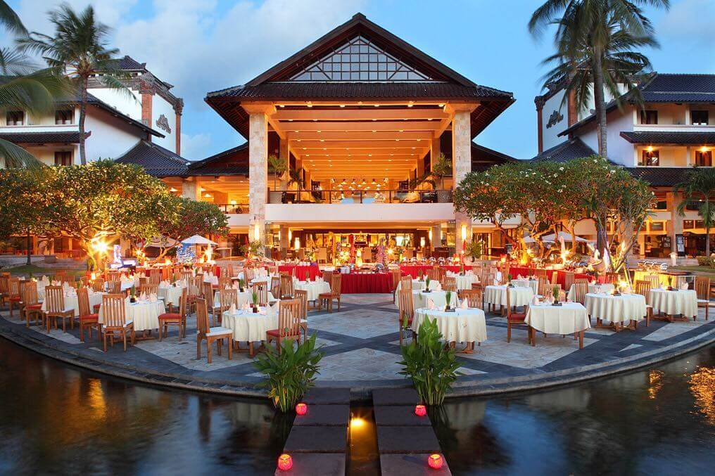 The Pond Restaurant - Discovery Kartika Plaza Hotel