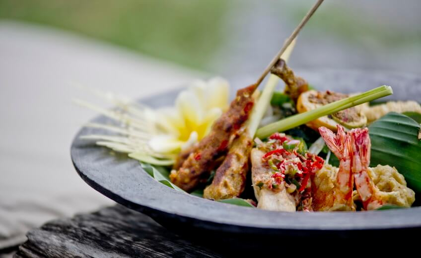 Traditional Indonesian Gastronomy Food tour & Cooking Class