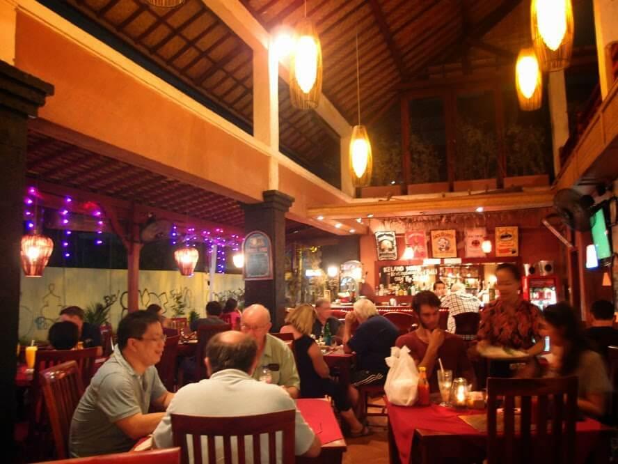 Malo's Restaurant & Bar