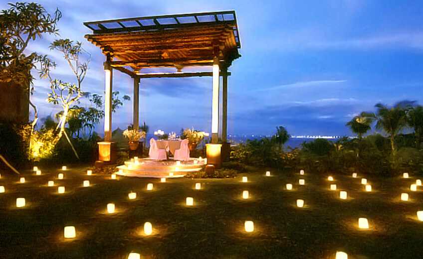 Extravaganza Romantic Dinner in Jimbaran