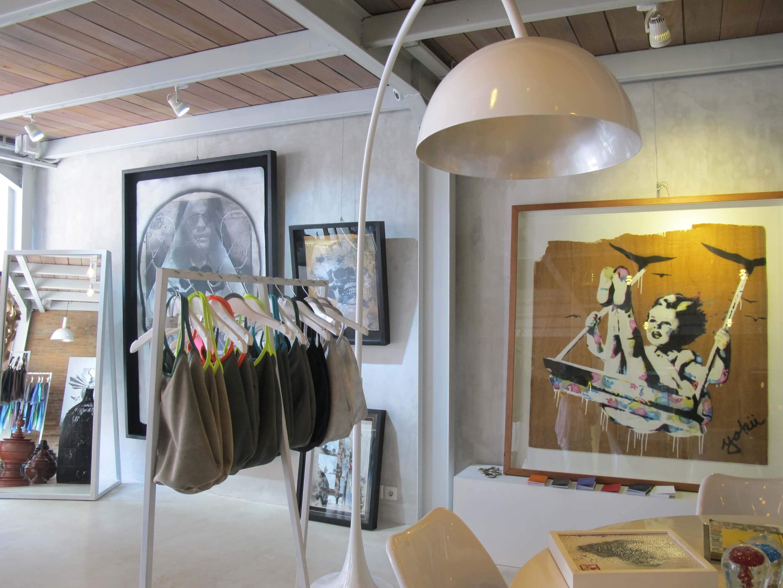Nyaman Gallery - Art Gallery