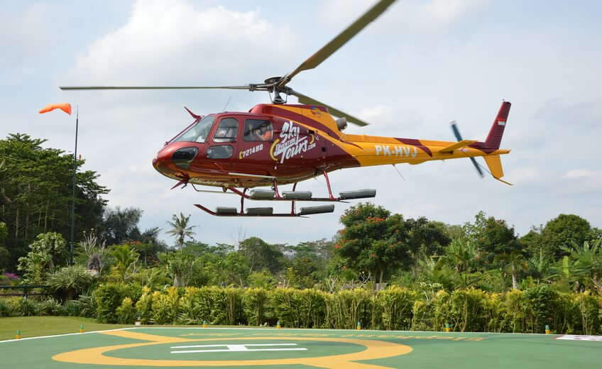 25-Minutes Uluwatu Temple and Coastal Helicopter Tour