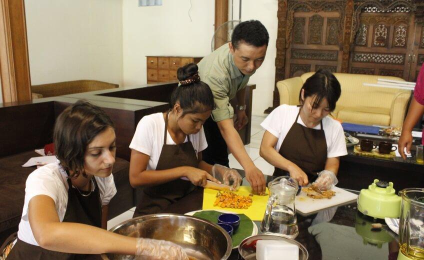 Cooking Class In Bali - Jamu Kunyit Asam Herbal Tonic