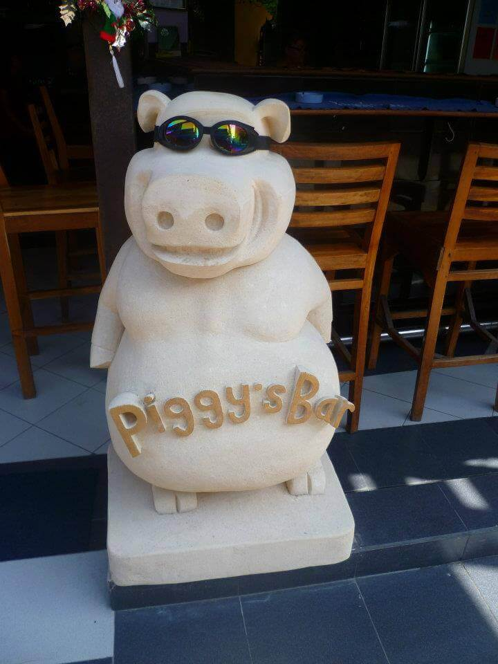 Piggy'S Bar & Cafe