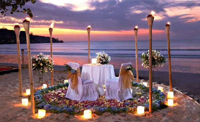 Intimate Torches Romantic Dinner At Jimbaran Beach
