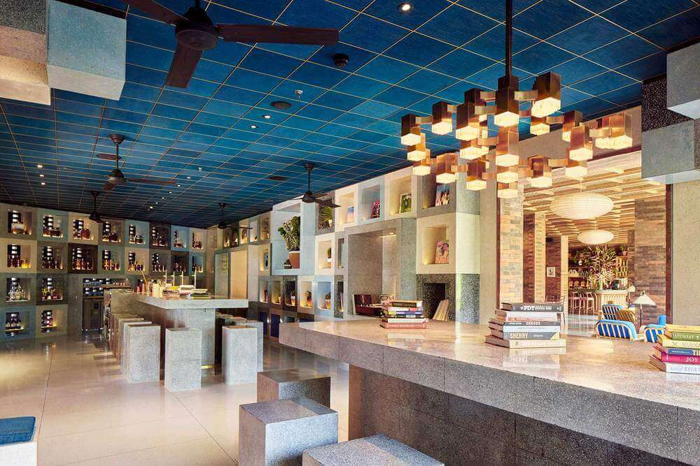 Akademi Bar