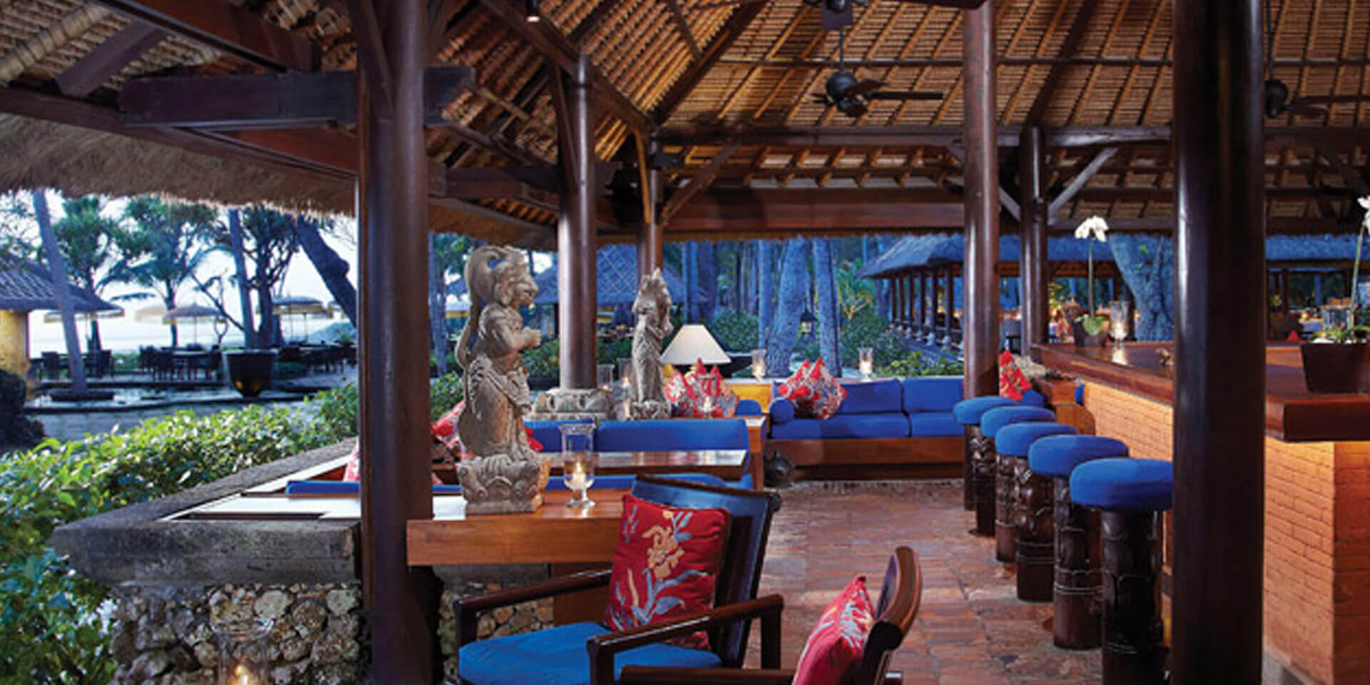 Kayu Bar at The Oberoi Bali
