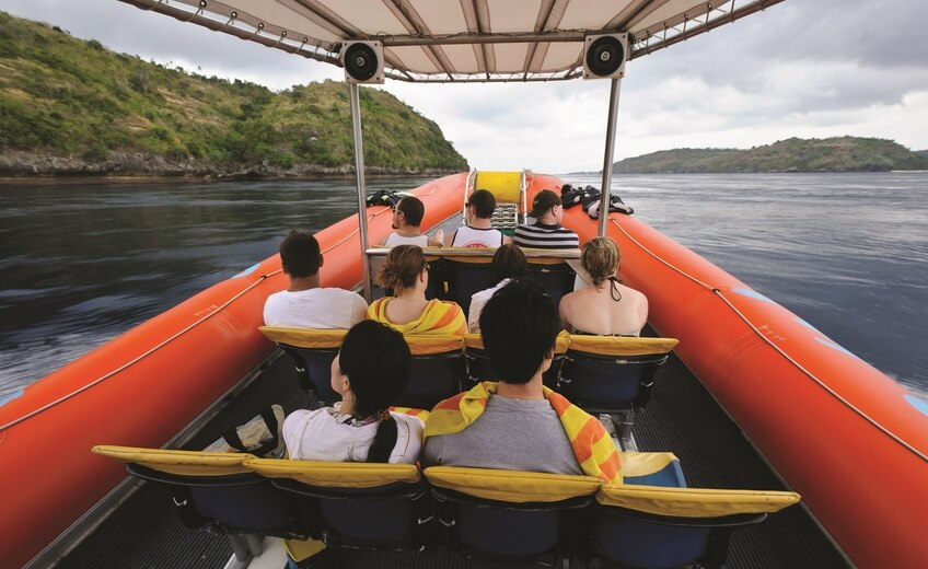 3 Islands Ocean Rafting Boat Cruise Around Bali