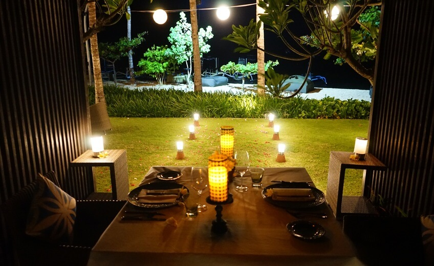 Romantic Dinner In Layang Layang Garden