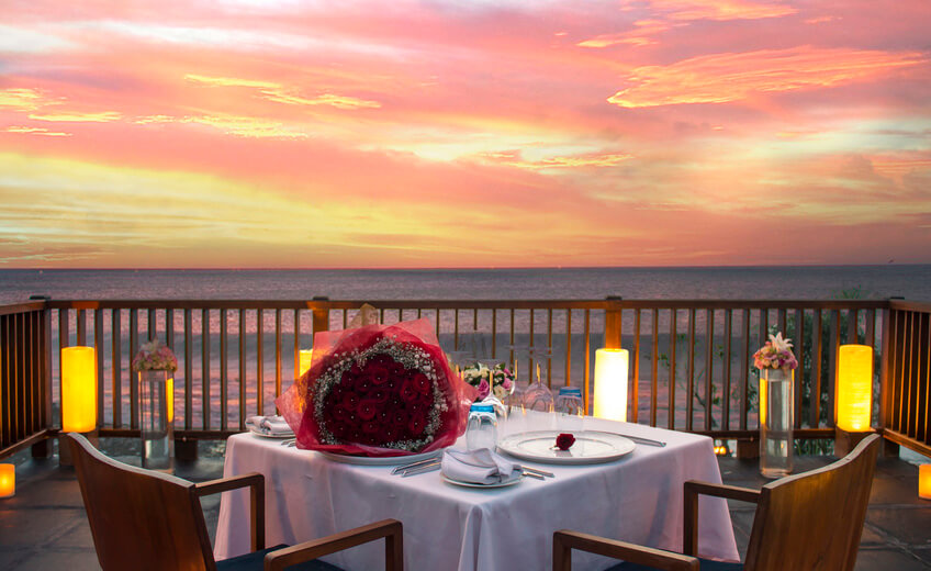 Romantic Dinner - Uluwatu Clifftop With Sea View (Extravaganza Menu)