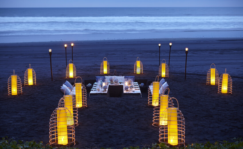 Romantic Dinner By the Beach in Tabanan