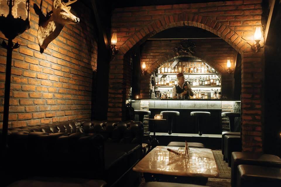 The Howff ~ Whisky, Gin & Wine Bar